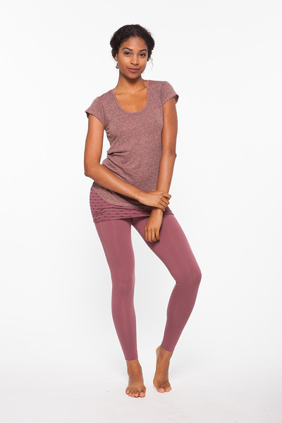 Top: Flex Tee in Fuzzy Navel, Bottom: Unity Nomad Legging in Sangria