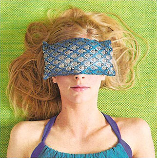 chill head to toe u2013 barefoot yogau0027s sari eye pillow in august yoga journal